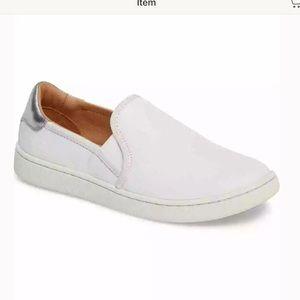 NIB UGG CAS 6 white leather slip on sneaker